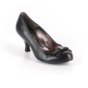 Sofft Black Pumps 9.5 medium -with cute bow